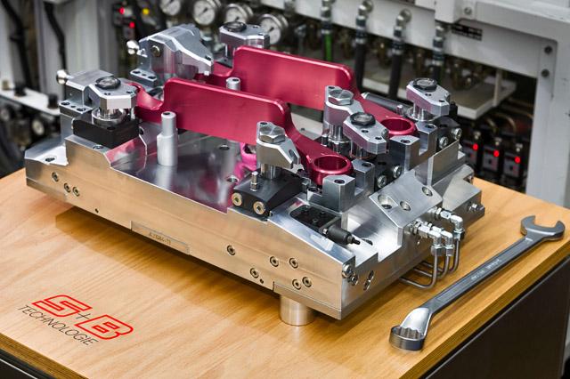 Mechanischer und hydraulischer Spannvorrichtungen